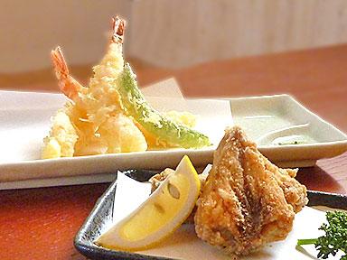 天ぷら盛り合わせとサワラ三角唐揚げ
